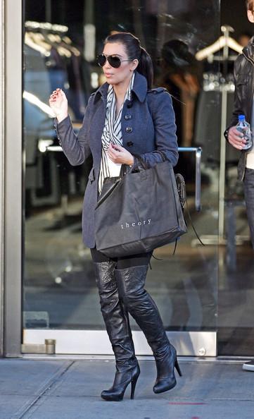 Kim+Kardashian+spotted+shopping+Theory+clothing+guOaVcFqg9Wl
