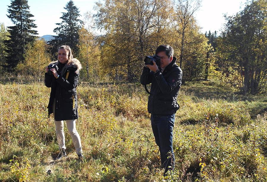 Høyer stilte med hele tre fotografer på dette innlegget. Her ser dere Julie og Frank i aksjon.